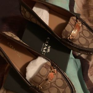 Woman's Coach Casual Loafers (size 8) new*